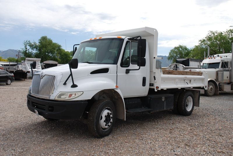 2007 International Chassis-Cab with Bed