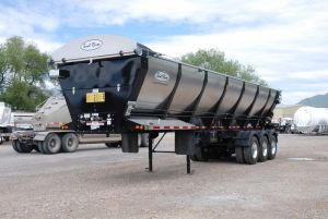 2021 Trout River Live Bottom 3-Axle End Dump Trailer